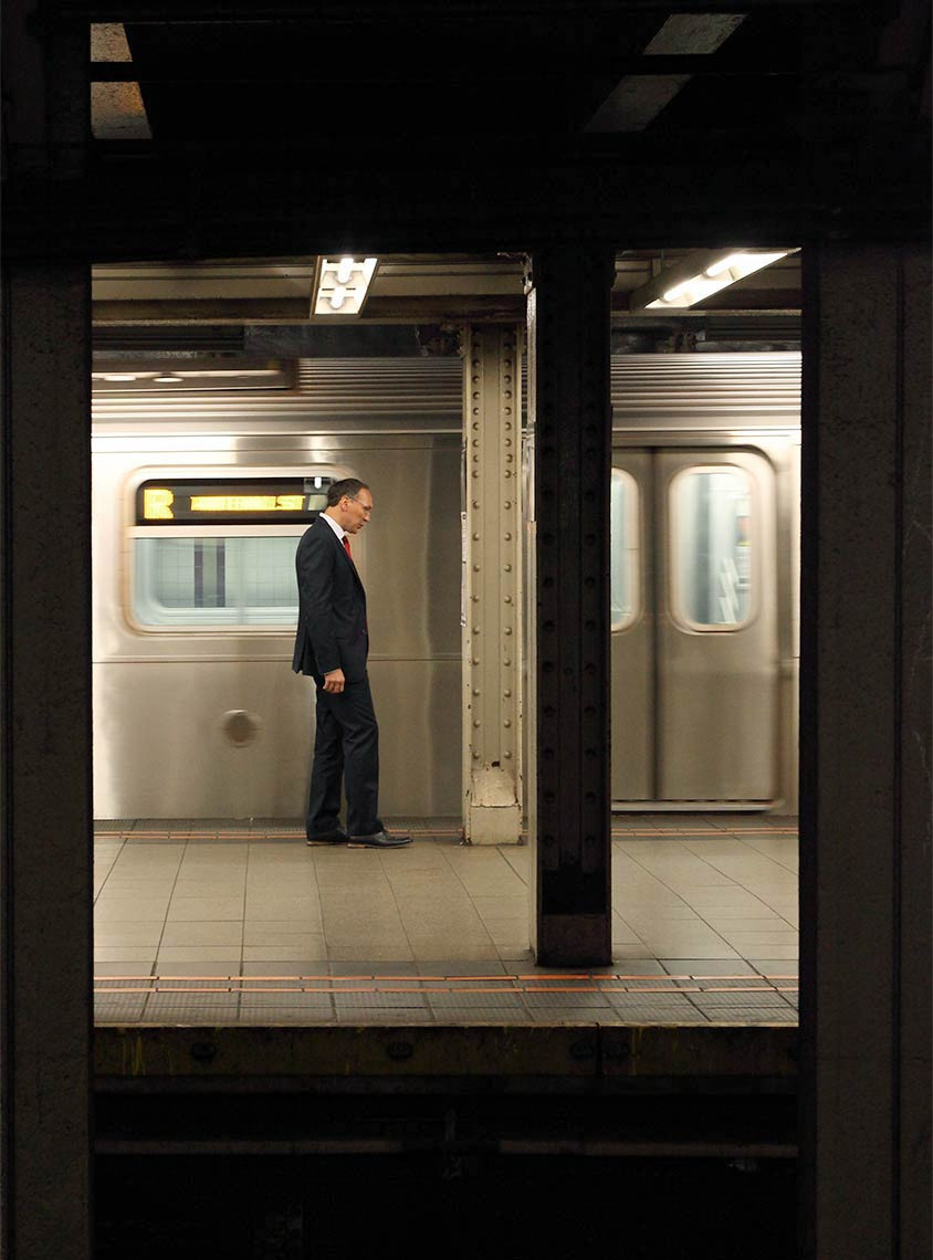 9-solitary-subway-2